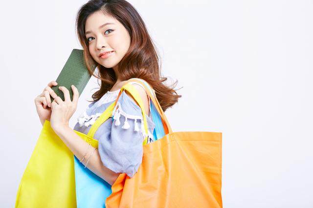 クレジットカードのショッピング枠とは?キャッシング枠との違いと利用の注意点