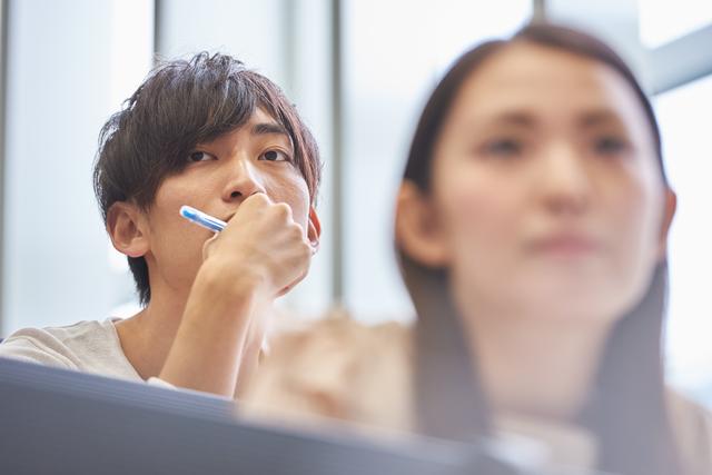 学生がアメックスを申し込むとき職業欄は何と記入する?審査を通過する方法とは