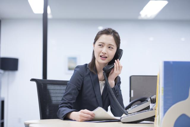 dカードの審査に在籍確認の電話はある?在籍確認がある人の特徴とは