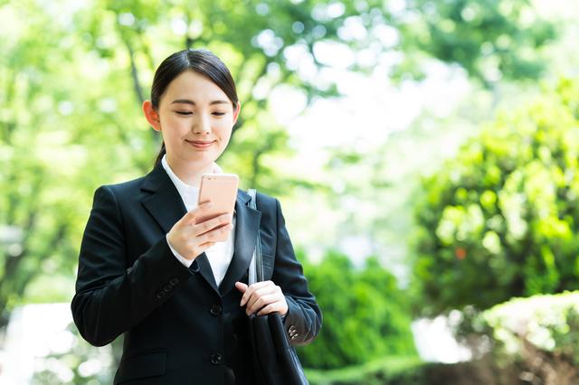 新卒入社前でクレジットカードを作る!職業は何と記入する?