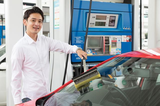 ガソリン代が安くなるおすすめ法人カード!メリットと注意点とは?
